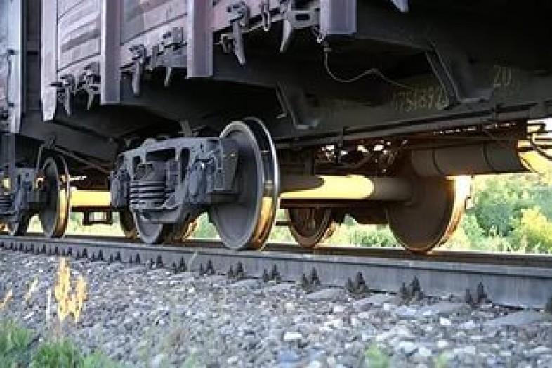 погиб под колесами поезда
