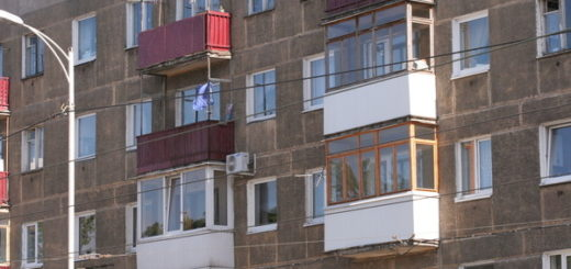 Малышка выпала с десятого этажа