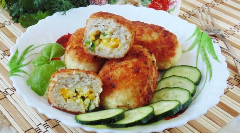 зразы с луком и яйцом